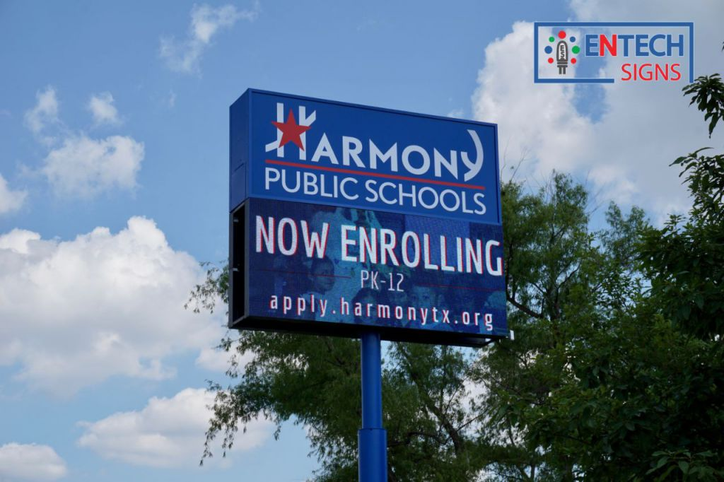 Keep Students and Faculty Informed with an Digital LED Sign