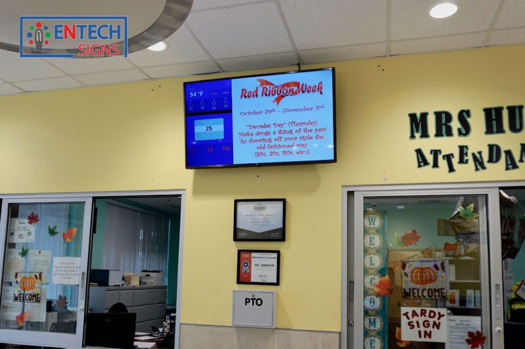 Indoor Digital LED Signs for School Lobbies
